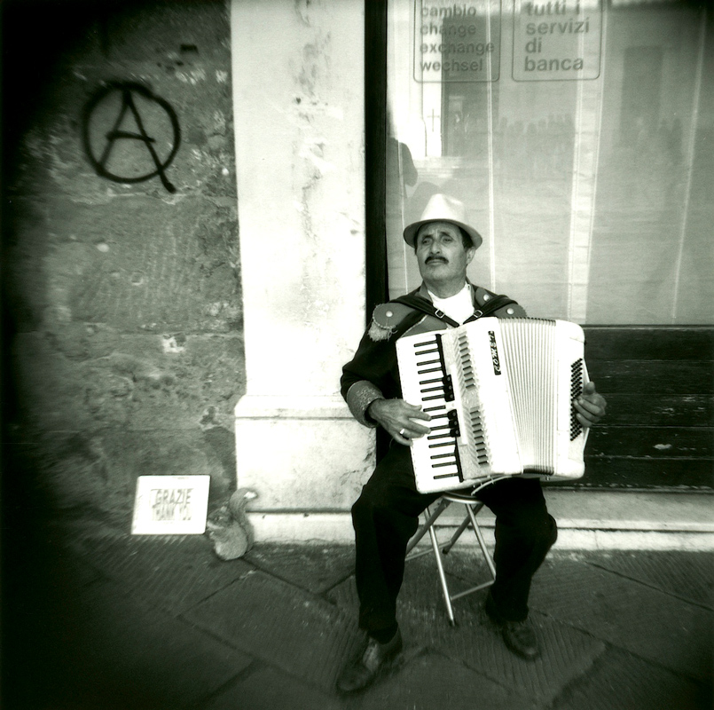 Accordian-Player-Rome---Version-2
